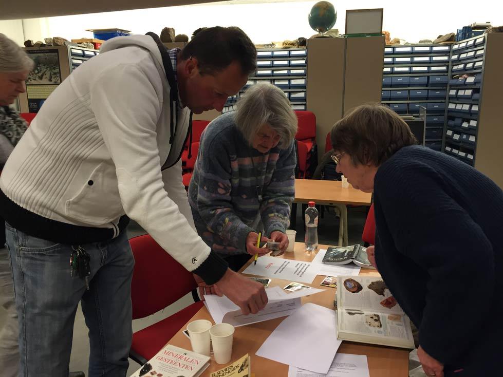 De Werkgroep In Actie. Foto Anneke De Jong